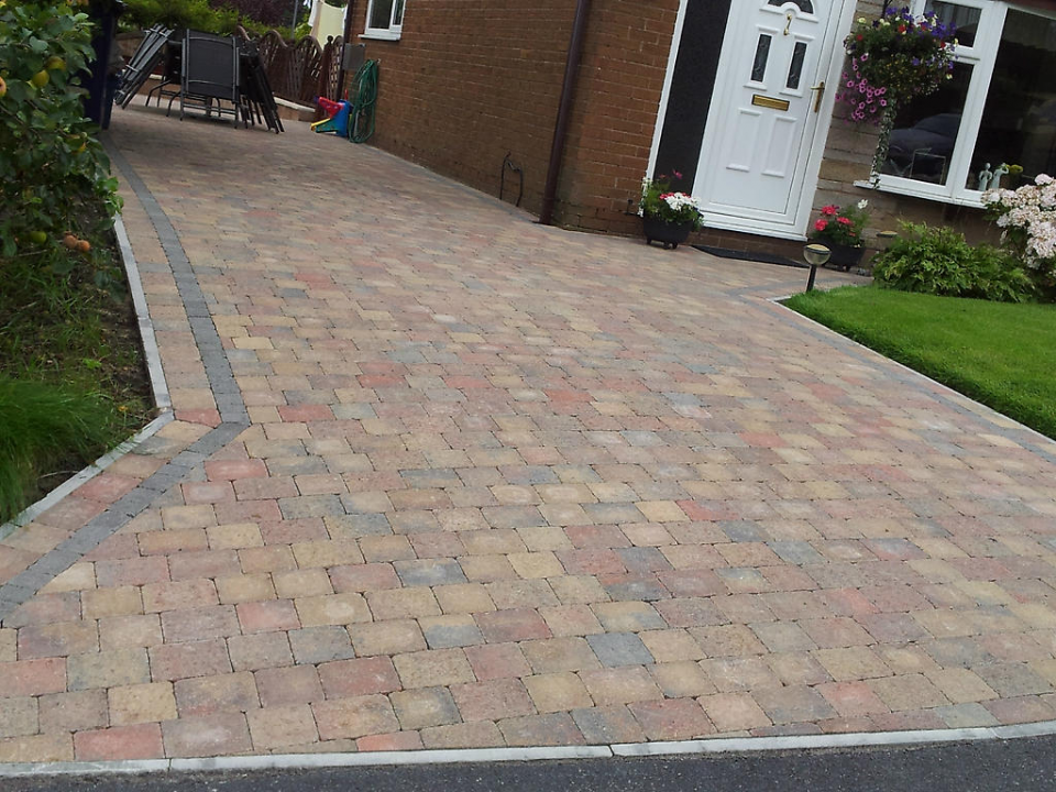 Lifetime driveways new driveway in london goes down well for New driveway ideas